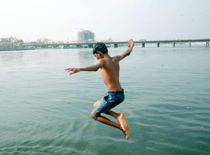 Orange alert, Gujarat,summers, children, weather conditions, health department