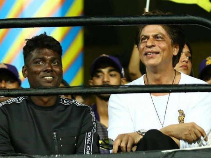 People Make Racists Comments As Director Atlee Kumar Hangs Out With Shah Rukh Khan, Fans Slam Trolls
