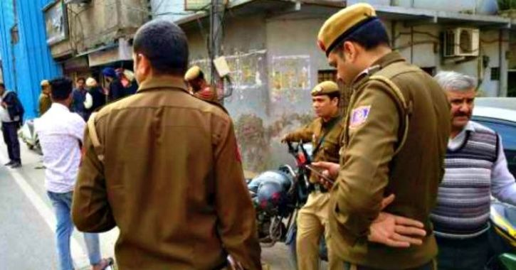 'Are Your Flatmates From Jammu & Kashmir?': Delhi Police Barges In To Womens' Apartment With Questio
