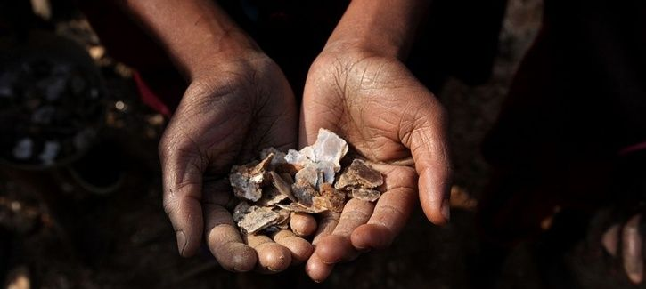 Exploitative Child Labour In India's Mica Mines Is Behind The Shimmer In Your Makeup