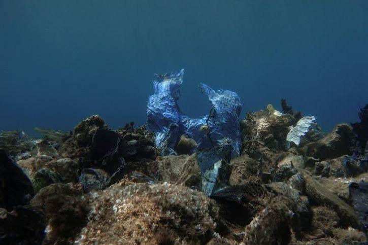 Oceans plastic