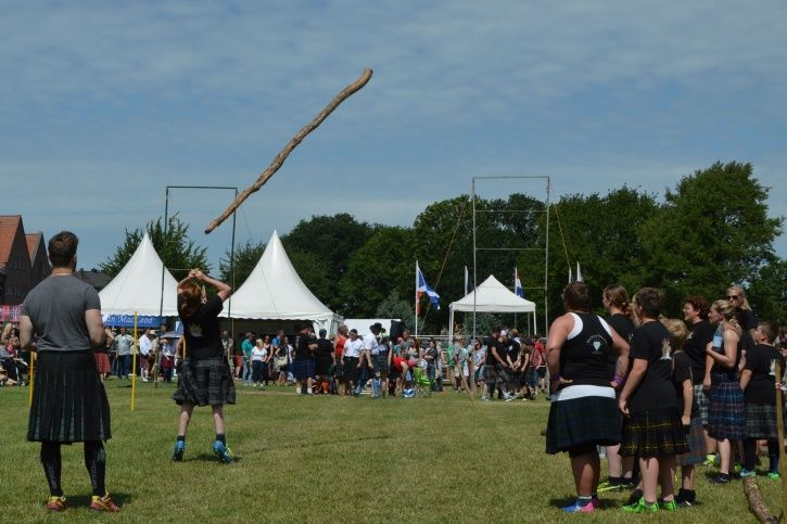 Caber tossing is real