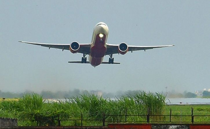 choked toilet overflows on air india