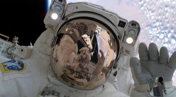 funny astronaut