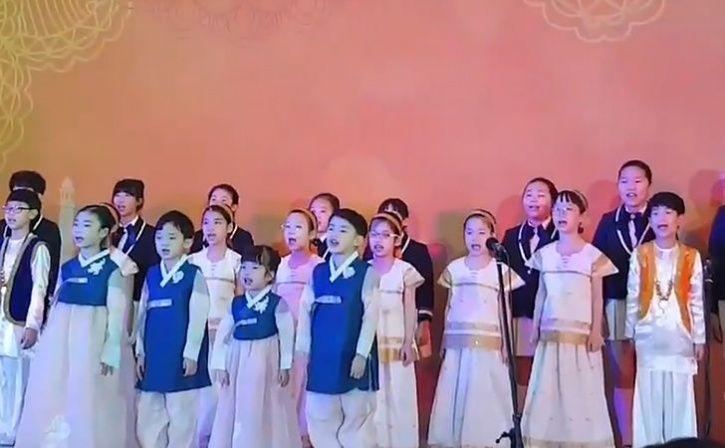 south korean kids sing vaishnav jan
