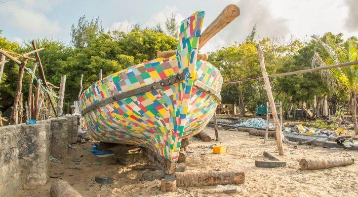 Flipflopi plastic boat