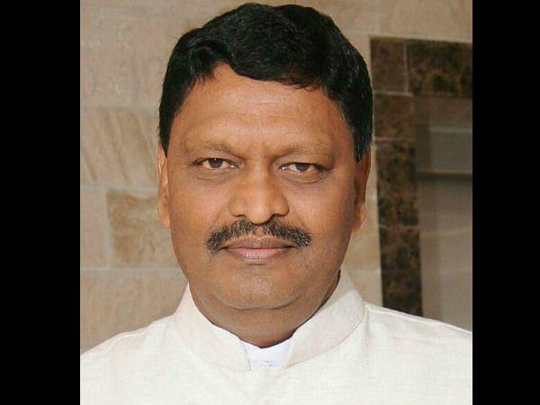 Karnataka, Karnataka Doctor transferred, MLA, doctor, VIP Highhandedness, Veena Singh, [Assistant Me