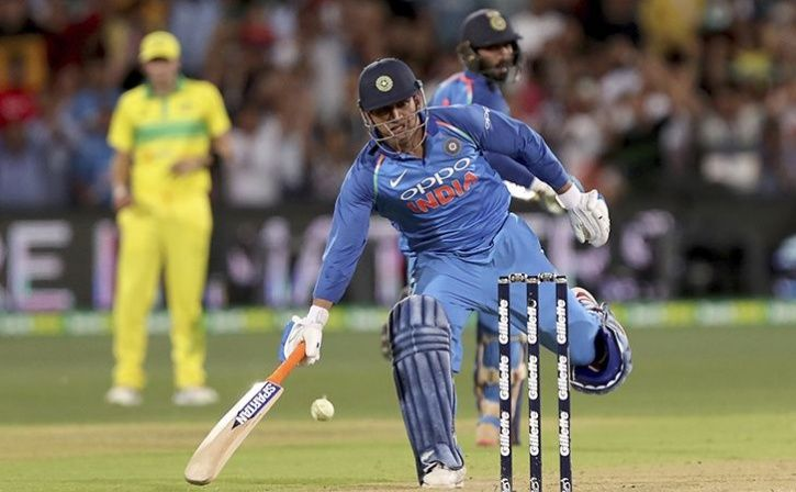 MS Dhoni Actually Got Away With An Incomplete Run As The Umpires Failed To Notice