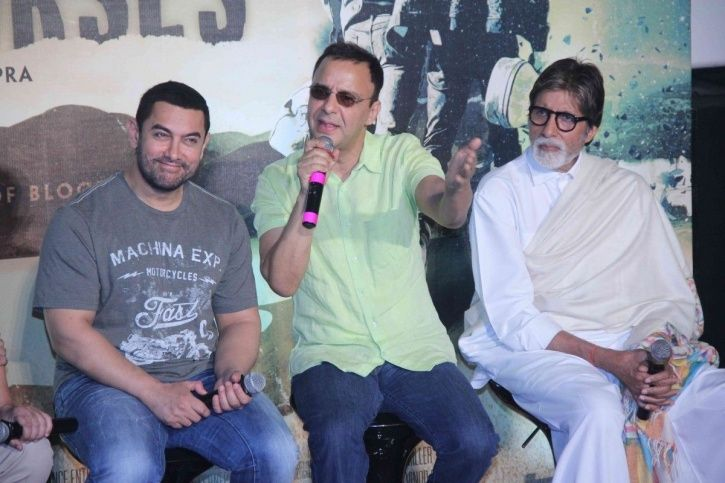 scriptwriters Aamir Khan with Vidhu Vinod Chopra