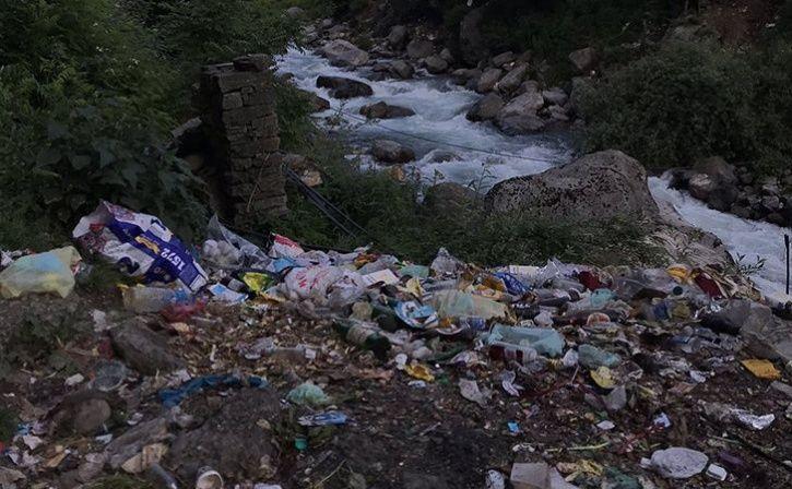 Garbage In Manali