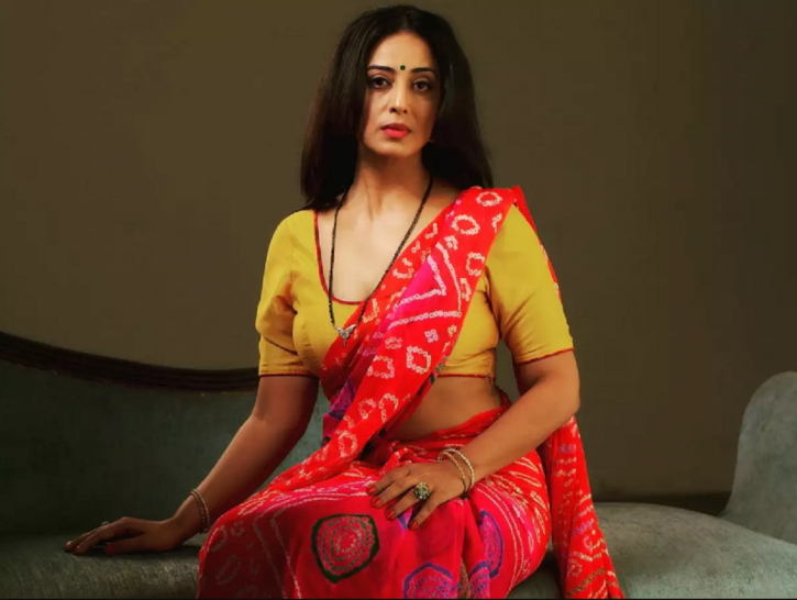 Mahie Gill is apparently in a live-in relationship.