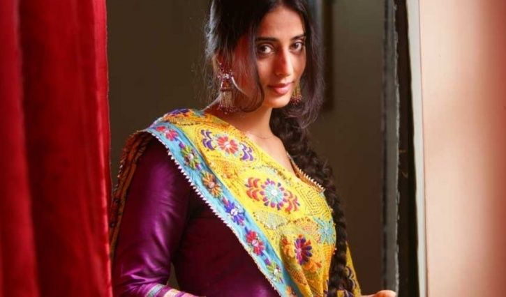 Making Babies Before Marriage Acceptable, Mahie Gill Shares She Isn't Married & Has A Daughter