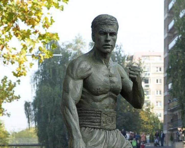 Unusual Celebrity Statues Around The World