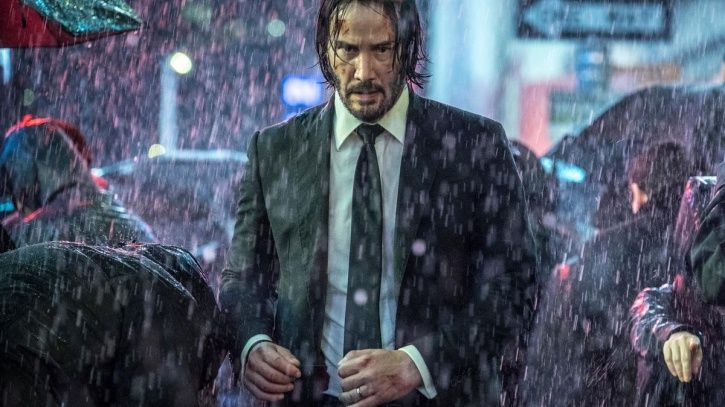 Keanu Reeves waited 20 minutes in rain to get into a club, because the bouncer didn't recognise him.
