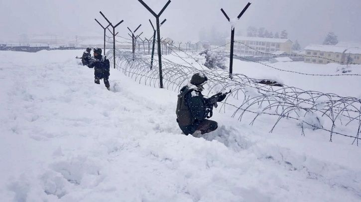 Central Reserve Police Force (CRPF), Jammu and Kashmir, Kupwara, terrorists, encounter