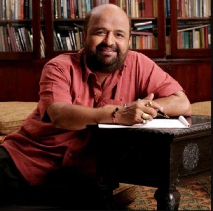 Lyricists Javed Akhtar & Sameer Denies Writing For PM Narendra Modi's Biopic, Producers Clarify!