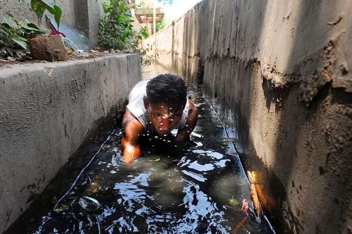 More Deaths In Indian Sewers Despite Modi Promising To Eradicate Manual Scavenging By 2019