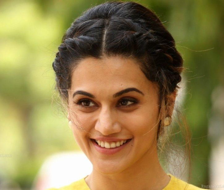Taapsee Pannu Thinks She Isn't 'Extraordinarily Good Looking', Says It's Her Biggest Strength