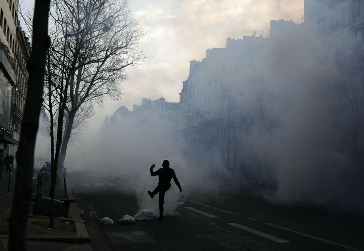 yellow-vest protests, France, demonstration, Paris, 19th weekend