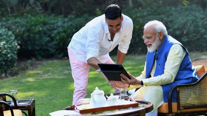A picture of Akshay Kumar with PM Modi.