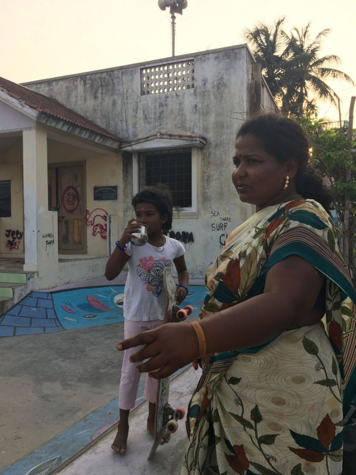 A picture of Kamali Moorthy with her mother.