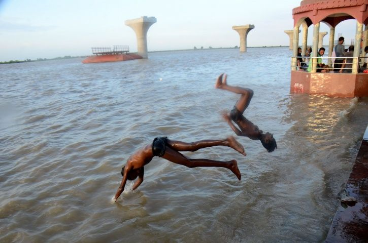Ganga River Water Not Fit For Drinking & Bathing, Toxicity Worst In Varanasi, Kanpur