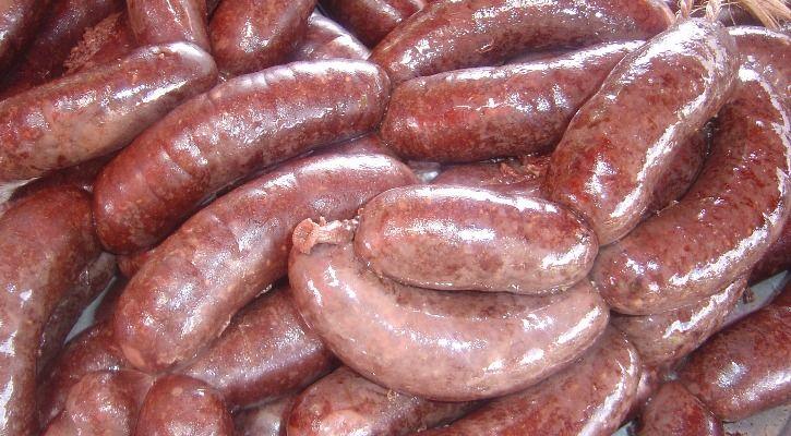 maggots sausages