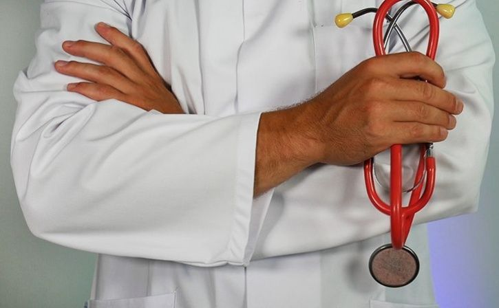 Maharashtra Medical Student Fails Asks Lover To Pay Fees