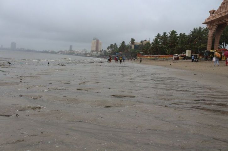 Malhar Kalambe, Dadar Beach Garbage Dadar Beach cleanup