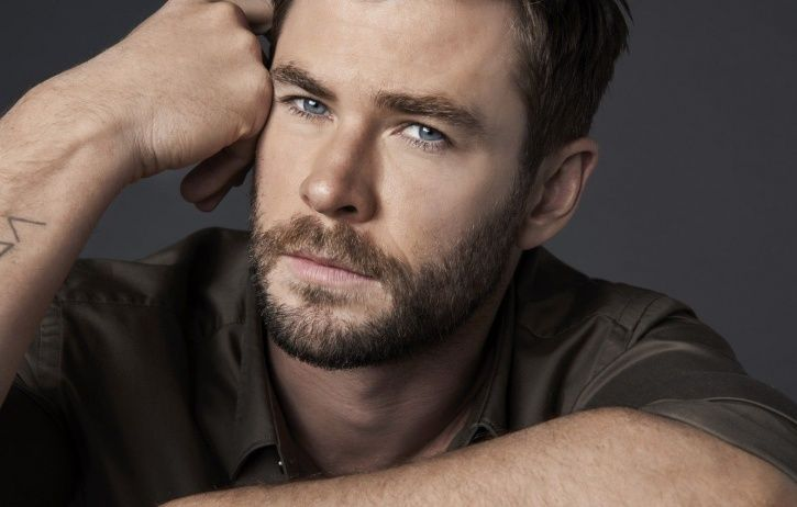Chris Hemsworth Posts Adorable Childhood Pic With Mom & Leaves Fans Obsessing Over