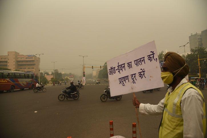 delhi politicians skip key meeting on pollution