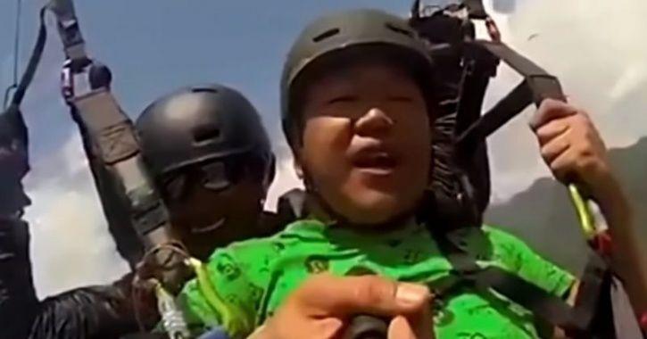 Paragliding Viral Video