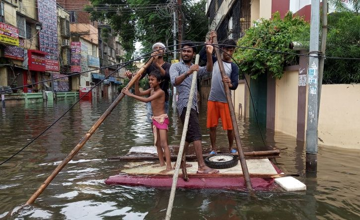 Bollywood celebs express concern over Bihar/ Patna Floods.