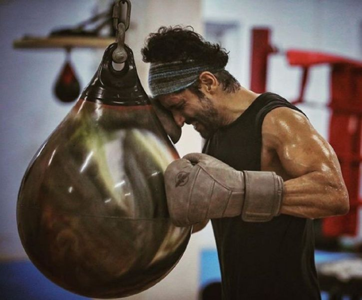 Farhan Akhtar Suffers Hairline Fracture On Toofan Sets, Shares Photo