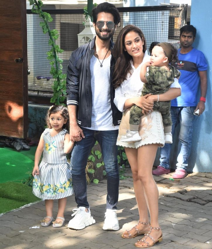Shahid Kapoor with family.
