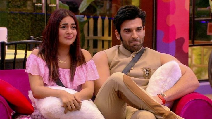Traders' Body Objects To Men & Women Sharing Bed In Bigg Boss 13, Writes To I&B Ministry Seeking Ban