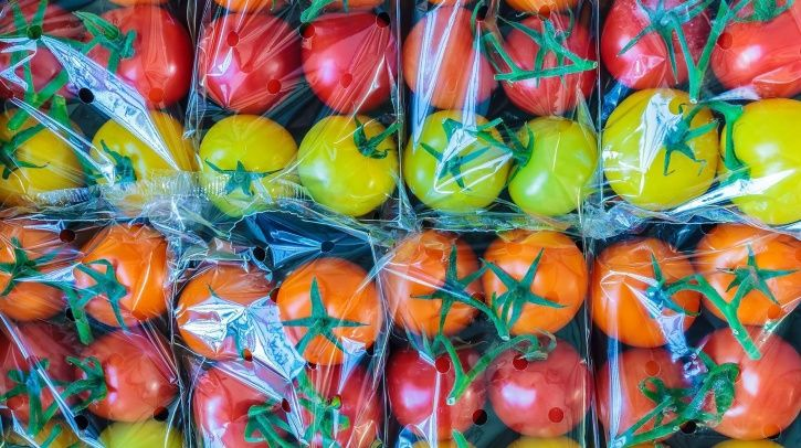 Why Removing Pointless Plastic Packaging Around Vegetables & Fruits Is The Need Of The Hour