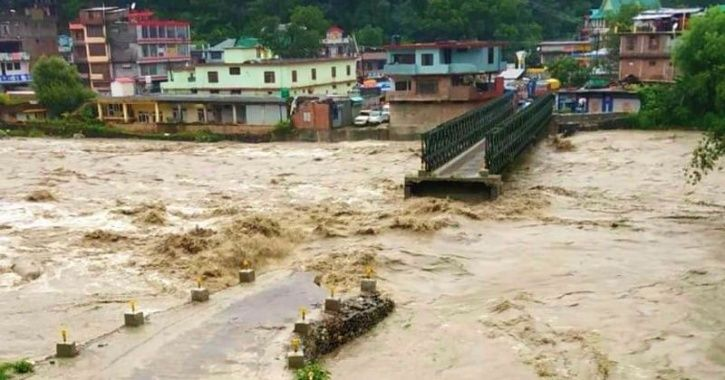 Brave Tractor Driver Rescues 20 Children Trapped Inside Jeep In Flood-Hit River In Kangra