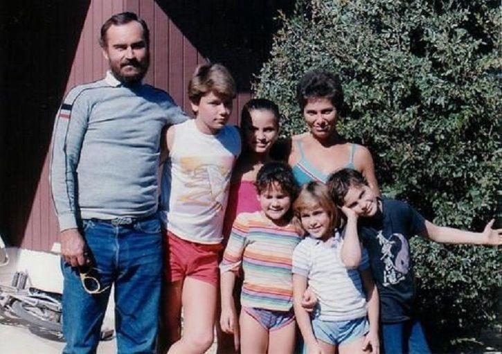 Joaquin Phoenix spent a homeless childhood.
