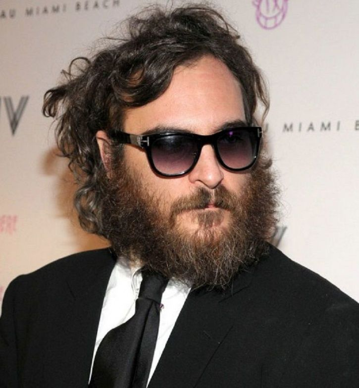 Joaquin Phoenix sported a beard when he said he wanted to be a rapper. It was a prank. He fooled us.