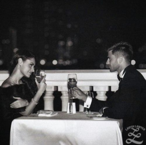 waiters give out advice for the perfect dinner date