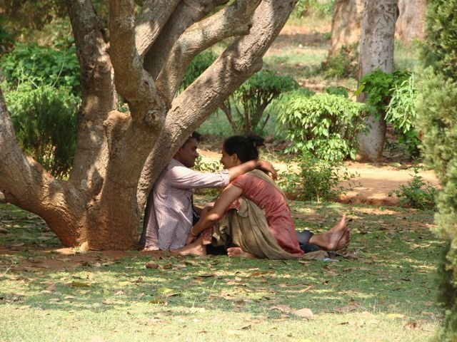 PDA Should Be Legalised In India