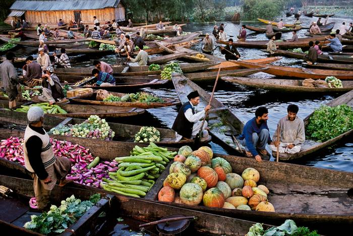 India's Alternatives To International Wonders - Bangkok's Floating Market Vs. Srinagar