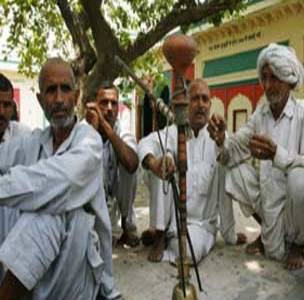 'Khap Panchayats Should Be BANNED'