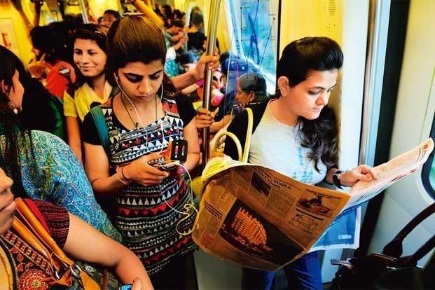 10 Annoying Things People Do In Delhi Metro