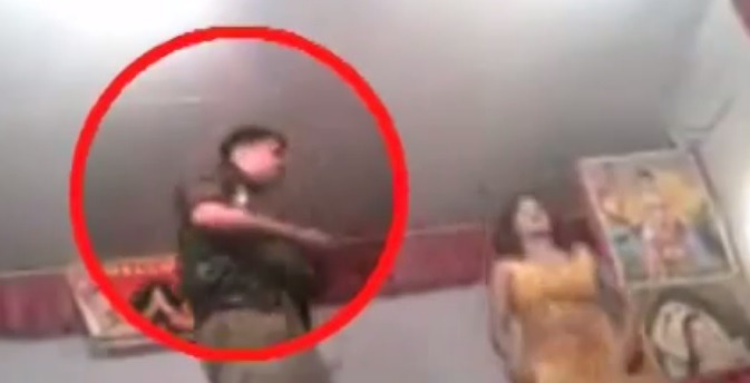 SHAMEFUL: UP Cop Caught Dancing With A Girl On Duty!