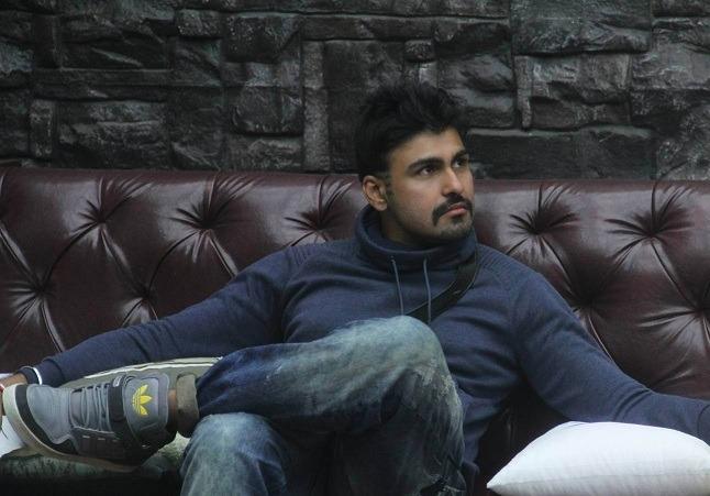 I Wish I Had Kicked Puneet Issar In His B@!!$: Aarya Babbar
