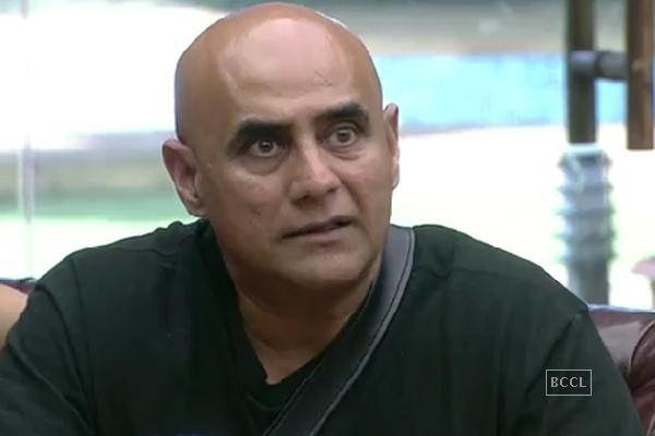 Should Puneet Issar Comeback On Bigg Boss 8 After An Apology?