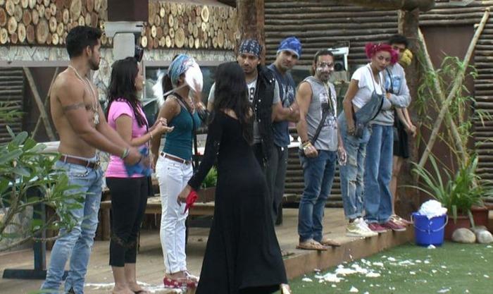 Enough Of Bullying, Sonali Snaps Back At Bigg Boss 8 Contestants!