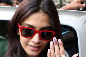 Is Sonam Kapoor Worst Actress Bollywood Ever Saw ?